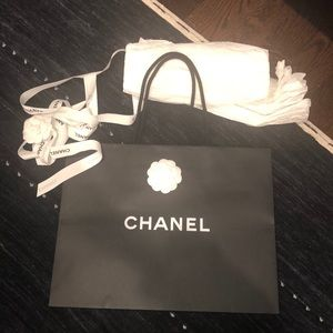 Chanel bag with ribbon and paper